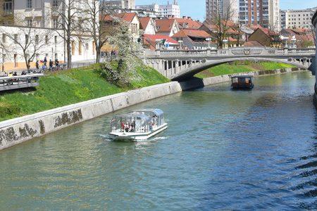 De Ljubljanica rivier in Ljubljana